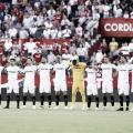 La plantilla del Sevilla antes del inicio del partido. | Foto: LaLiga