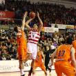 La Bruixa d'Or Manresa - Valencia Basket: un duelo marcado por las bajas