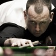 Williams surges through whilst Selby takes control