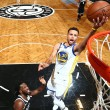 NBA - Curry trascina Golden State, Warriors corsari a Brooklyn