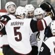 Los Coyotes renuevan a Stone y a Murphy