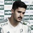 """Após renovação, Thiago Martins fala sobre possível titularidade: """"Todos terão oportunidades"""""""