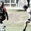 Com elenco completo, Atlético-PR treina antes de viajar para BH