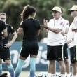 Lateral Rilany e técnico Vadão comentam estreia do Brasil na Copa América de Futebol Feminino