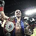 Boxeo: Vasyl Lomachenko ya firmó su vuelta al cuadrilátero