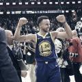 Curry sigue haciendo historia en la NBA. | Foto: Warriors