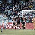 Akieme con los compañeros tras el penalti marcado por Embarba | Foto: LaLiga Santander