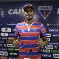 """Atacante Pedro Júnior é apresentado no Fortaleza e declara: ''Prefiro ser o 9"""""""