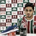 """Léo Artur é apresentado no Fluminense: """"Sensação de felicidade"""""""