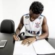 Corinthians anuncia chegadas de Fellipe Bastos e Paulo Roberto e passa a ter dez volantes no elenco