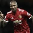 Young firma un año más con el Manchester United