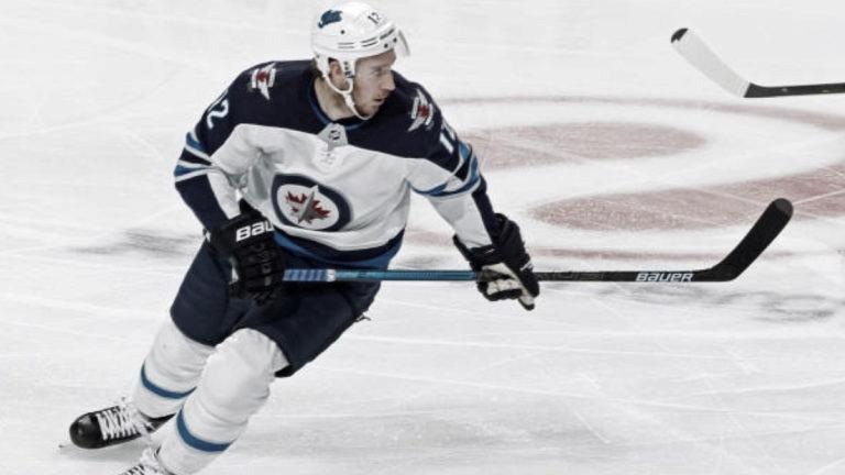 Flyers intercambian con Winnipeg los derechos de Kevin Hayes