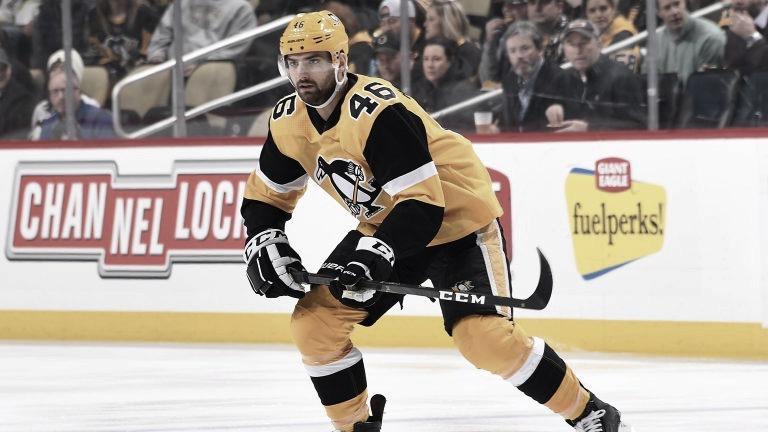 Penguins firman a Zach Aston-Reese un contrato de 2 años