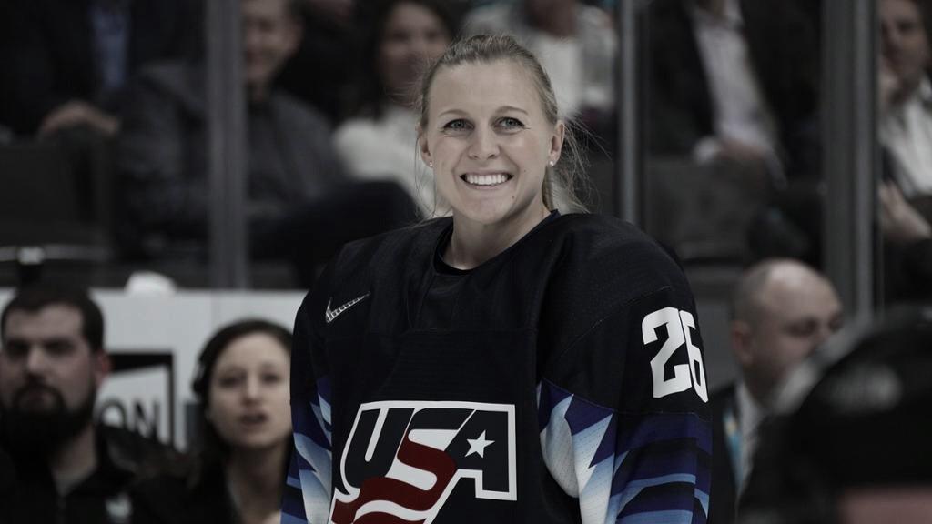 Kendall Coyne Schofield (NHL.COM)