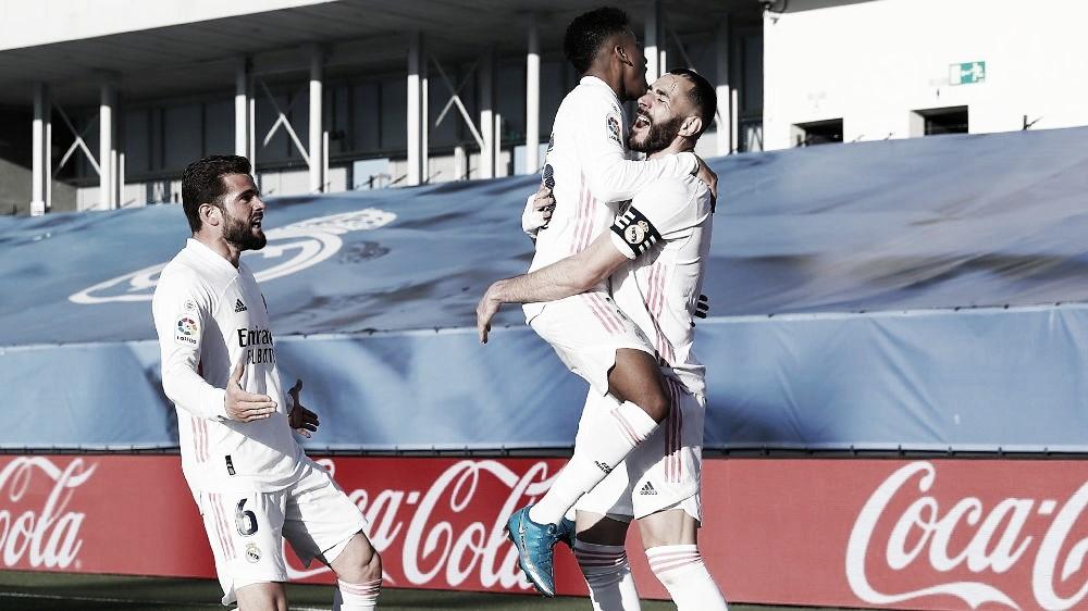 Real Madrid 2-1 Elche: Benzema no se rinde