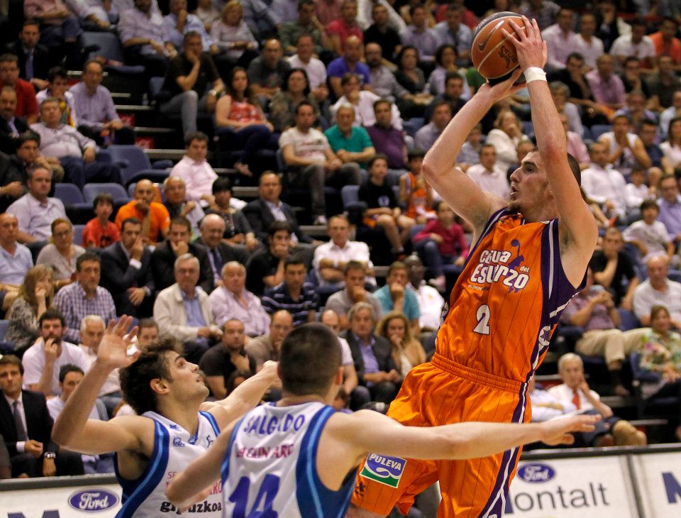 El Valencia Basket vence al Lagun Aro y se clasifica para semifinales (75-67)
