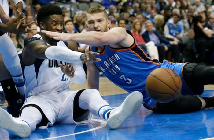 NBA - I Mavs sorprendono OKC; prima vittoria per il duo Davis-Cousins
