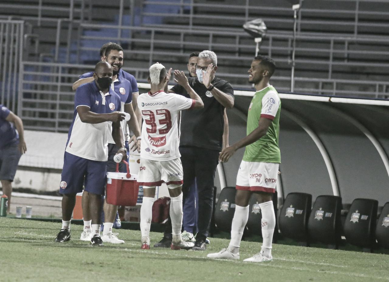 Hélio dos Anjos não esconde chateação por empate contra CRB e saída de Erick