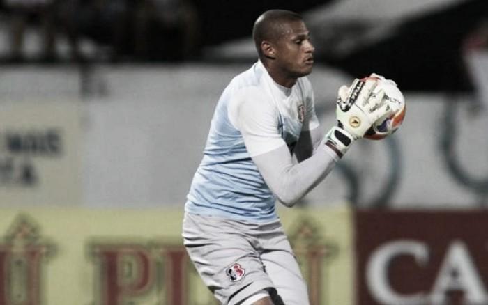 Edson Kölln se lesiona e Tiago Cardoso volta ao gol do Santa Cruz diante da Ponte Preta