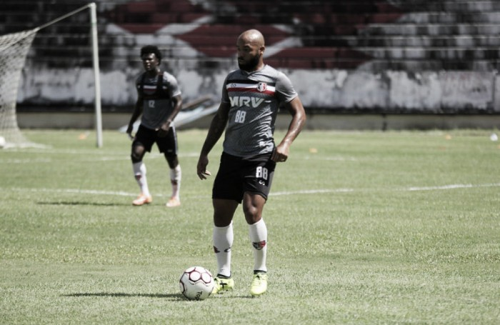 Após acelerar transição física de Tiago Costa, Martelotte assume risco: ''pela necessidade''