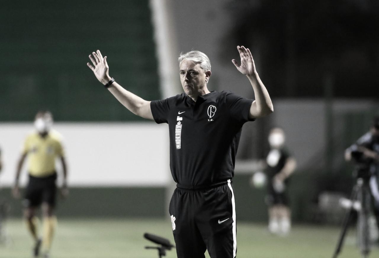 """Após novo tropeço em casa, técnico Tiago Nunes avalia desempenho do Corinthians: """"Setor defensivo me preocupa"""""""