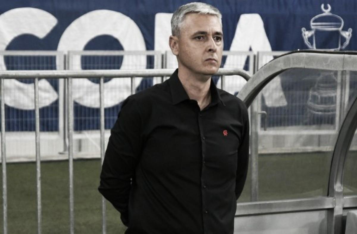 Mesmo com empate, técnico Tiago Nunes vê melhora no Atlético-PR