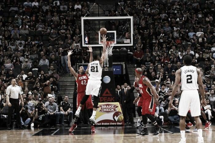 Nba, Dallas al fotofinish sui Knicks. San Antonio da record contro i Pelicans