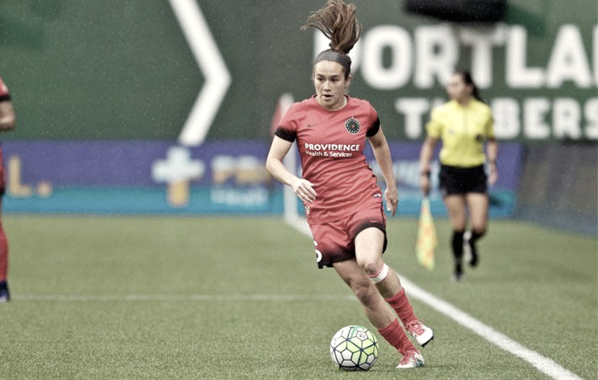 Midfielder Mana Shim signs with Houston Dash
