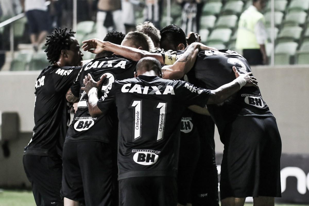 Em dia de luto por Bebeto, Atlético-MG bate Figueirense nos penais e segue na Copa do Brasil