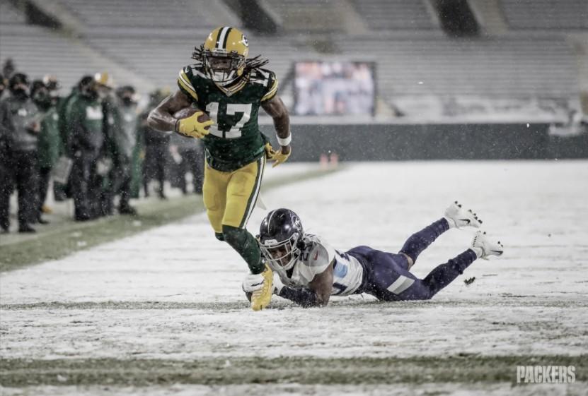 Em duelo na neve, Packers atropelam Titans com show de Davante Adams