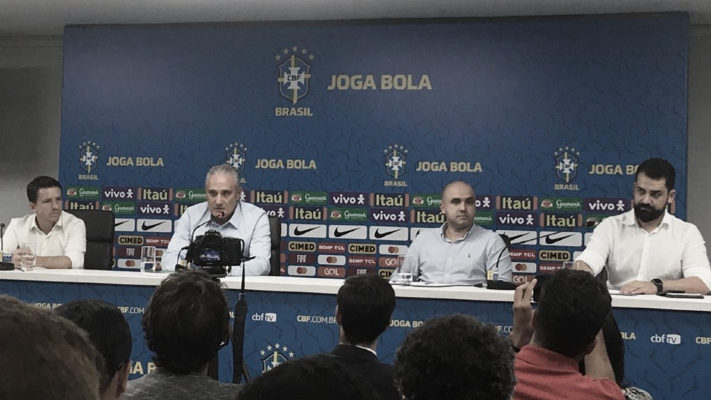 """Após resultados dos últimos amistosos, Tite cita competições oficiais: """"Das três, vencemos duas"""""""