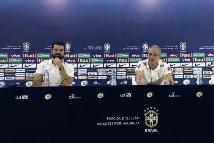 """Tite demonstra alívio por vaga na Copa do Mundo: """"Agradeçam por estarmos classificados"""""""