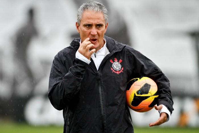 Tite é o quarto treinador a deixar o Corinthians rumo à seleção nos últimos 18 anos
