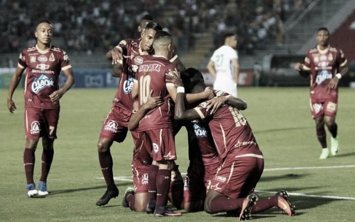 Deportes Tolima goleó 3-0 y quedó a un paso de la clasificación