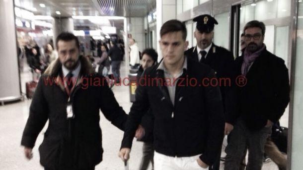 Rafael Toloi desembarca na Itália para assinar com a Roma