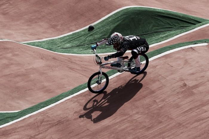 Connor Fields, dos Estados Unidos, leva o primeiro ouro olímpico no Ciclismo BMX