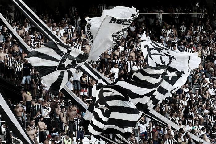 Com 40 mil pessoas no estádio, Botafogo se classifica na Libertadores