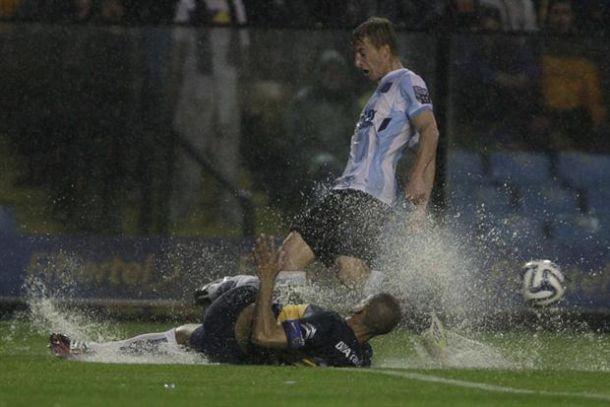 La lluvia venció al fútbol de Boca, pero no a sus ganas de jugar
