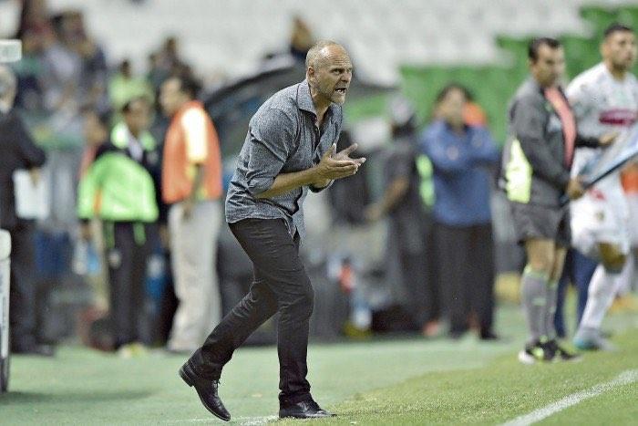 Javier Torrente espera que León lo mantenga como su entrenador