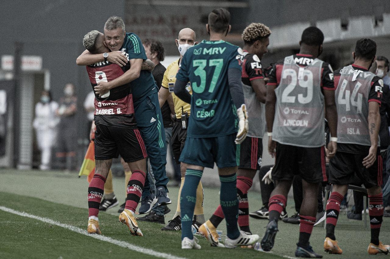 Em vitória sobre o Santos, Domènec destaca importância do elenco no Flamengo