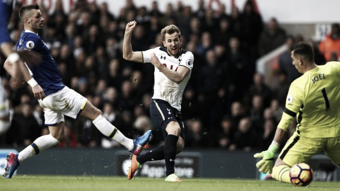 Premier League - Kane mette il turbo al Tottenham: 3-2 all'Everton