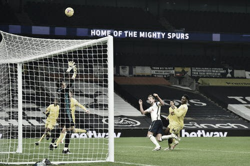 Tottenham no supo mantener la ventaja, otra vez