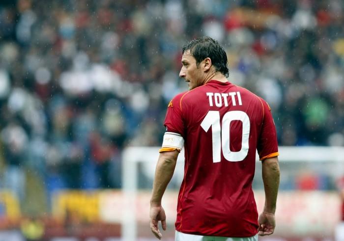 """Roma, Totti: """"Inizia la vita da dirigente"""""""