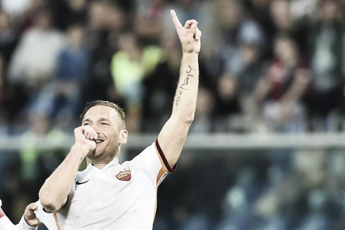 """Treinador da Roma compara Totti a um diamante: """"Você não os usa todos os dias"""""""