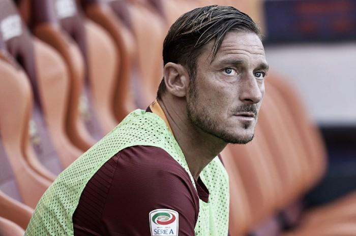 """Totti promete empenho em sua última temporada na Roma: """"Muito desejo e determinação"""""""