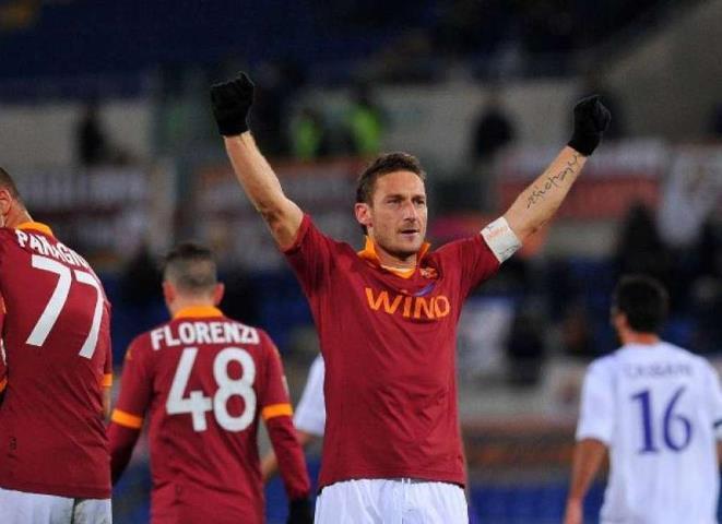 Candidato a prefeito de Roma quer Totti como seu vice