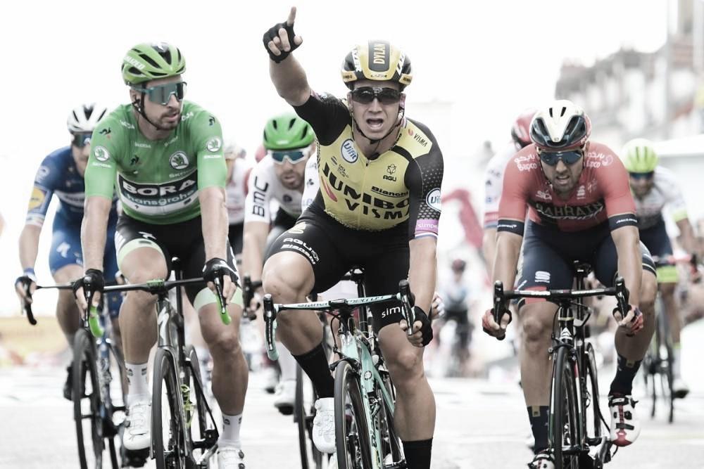 Groenewegen vence no sprint e se torna sexto ciclista a ganhar em sete etapas do Tour de France