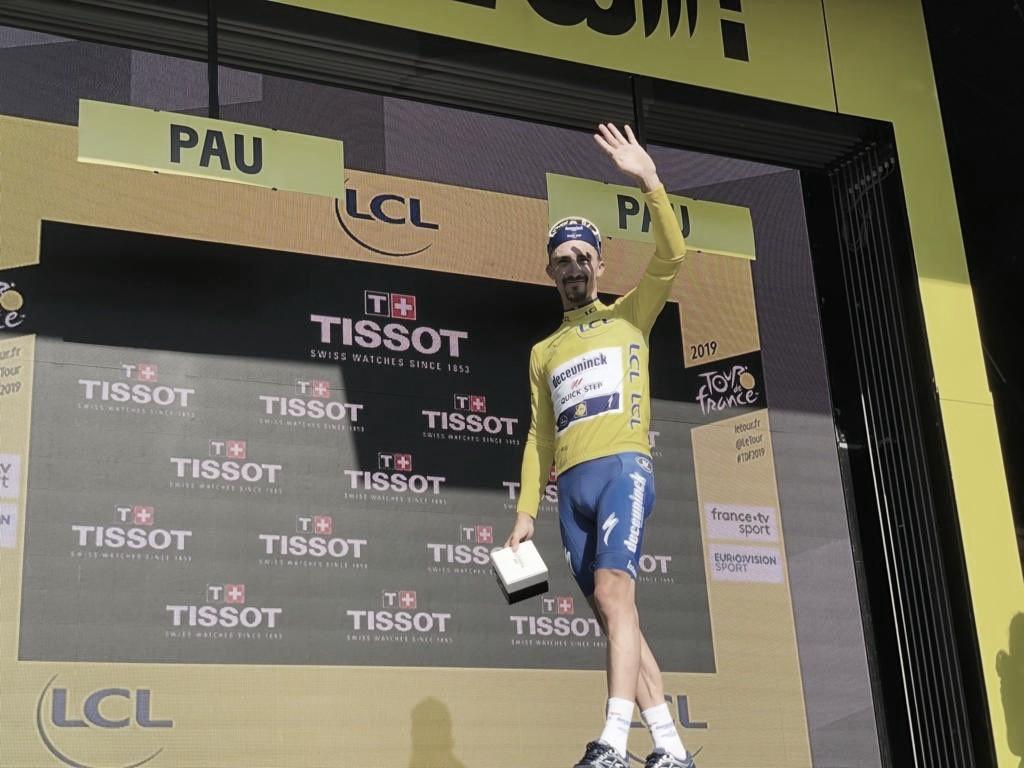 Alaphilippe ganha contra-relógio e mantém camisa amarela no Tour de France