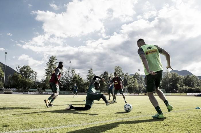 Em preparação para competições nacionais, jogadores principais do Gladbach iniciam pré-temporada