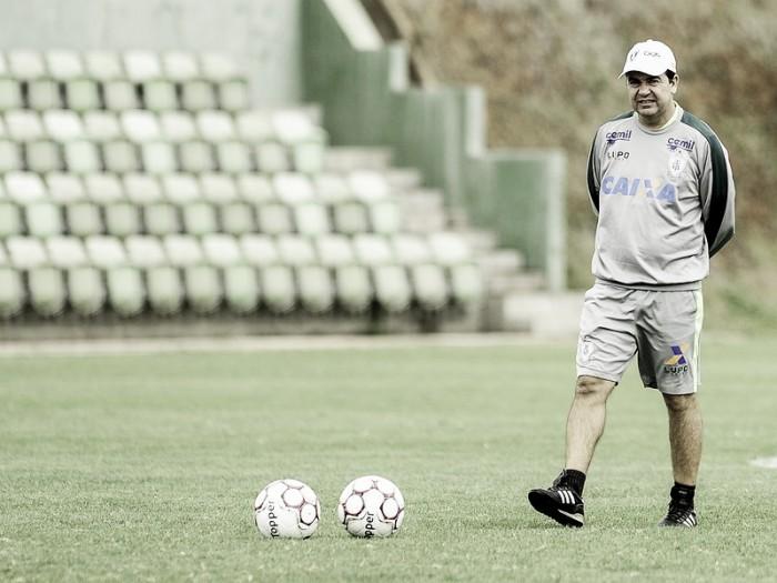 Treinador mais longevo das Séries A e B, Enderson Moreira renova vínculo com América-MG